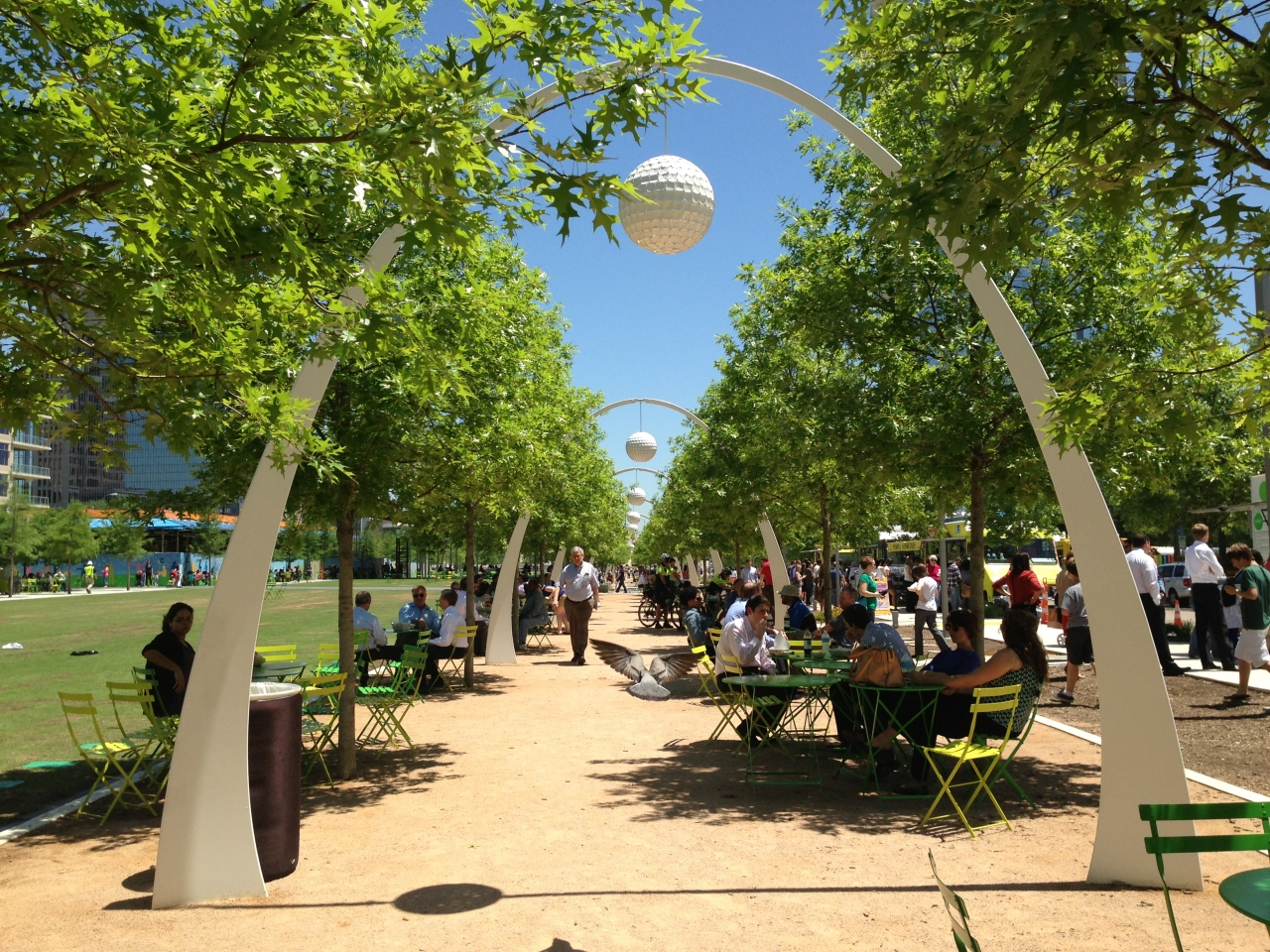Walk to Klyde Warren Park