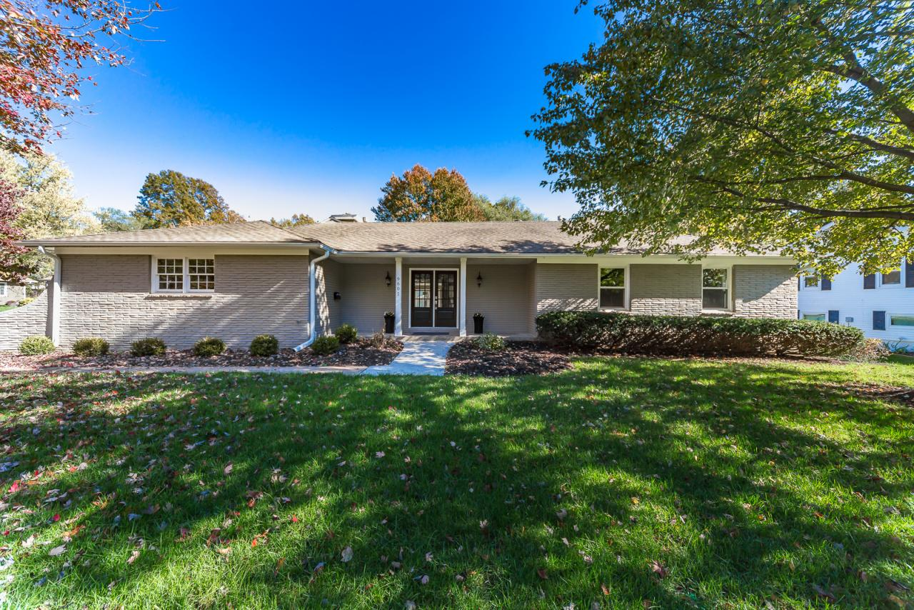 9601 Howe Drive, Overland Park, KS 66206 Marketed Exclusively by The Mowery Group