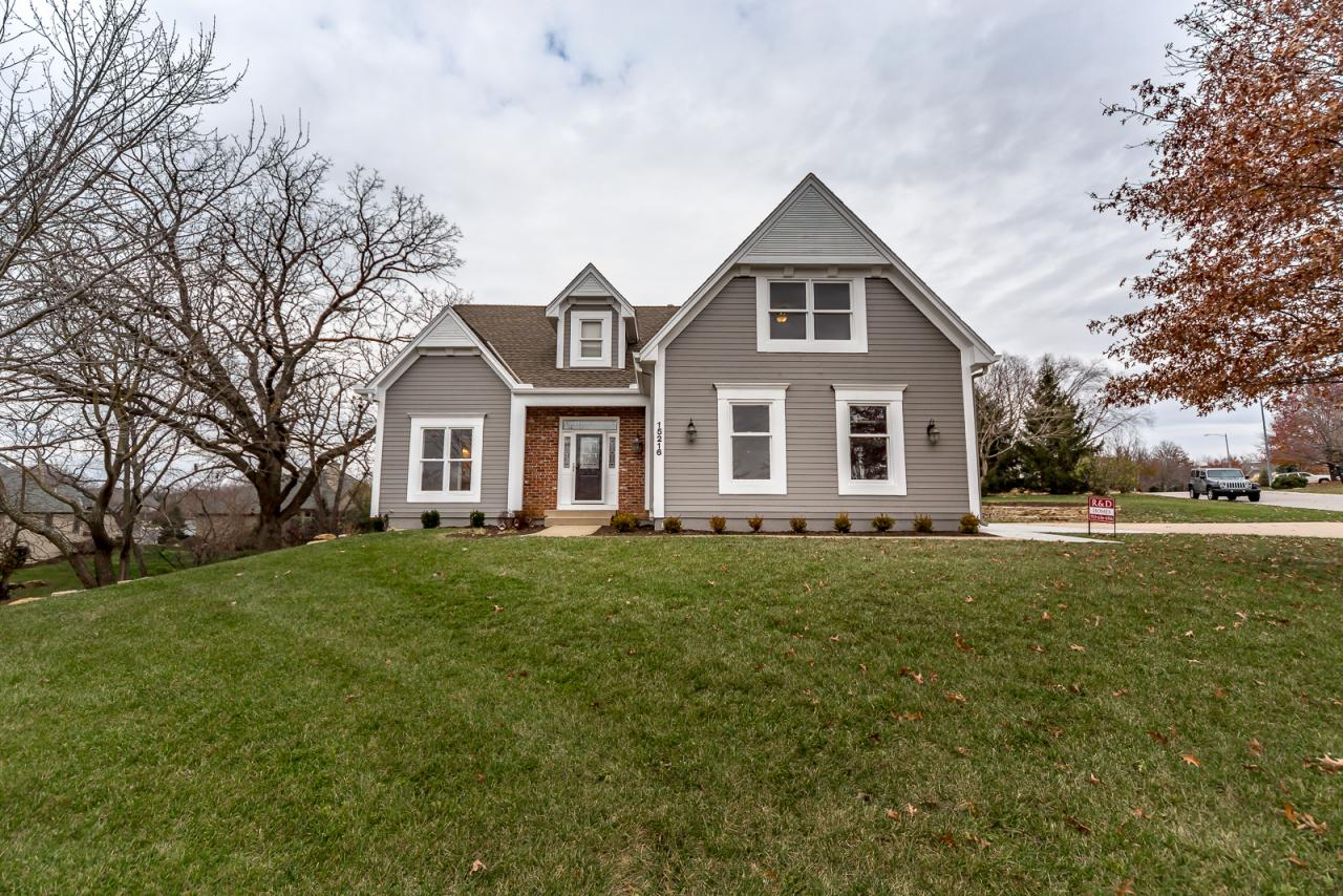 15216 Sherwood Street, Leawood, KS 66224 Marketed Exclusively by The Mowery Group