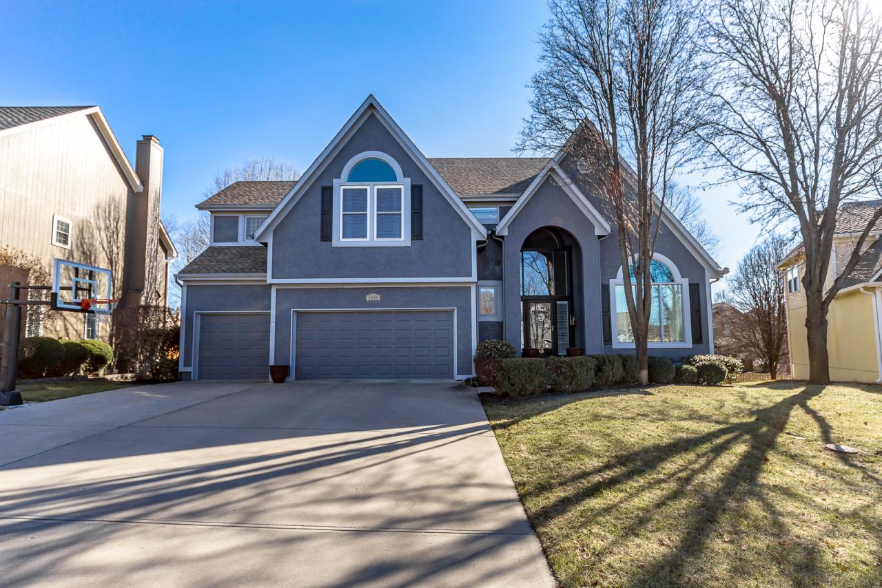 8505 W. 129th Terrace, Overland Park, KS 66213 Marketed Exclusively by The Mowery Group