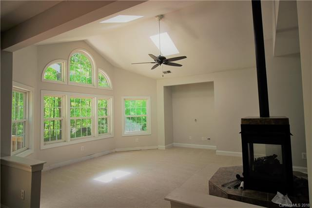 Great room w/ cathedral ceiling