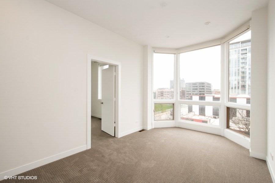 2nd Floor Den