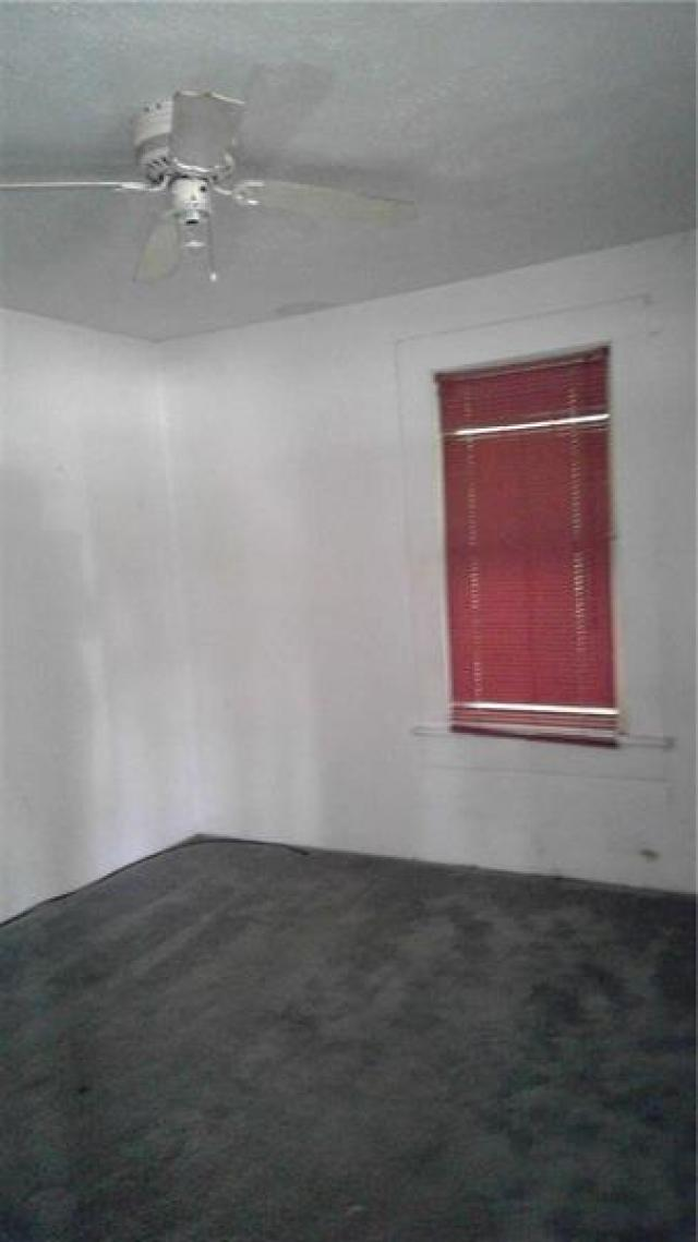 Bedroom in unit 1 - 35 Macland Rd