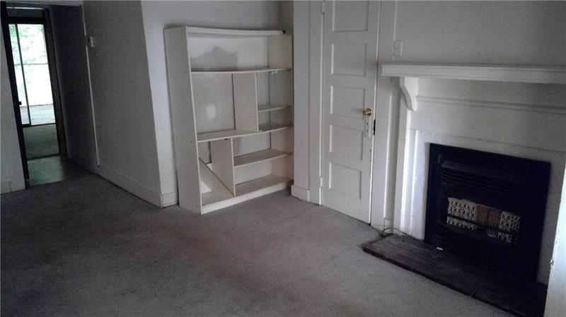 Living room in unit 1 - 35 Macland Rd