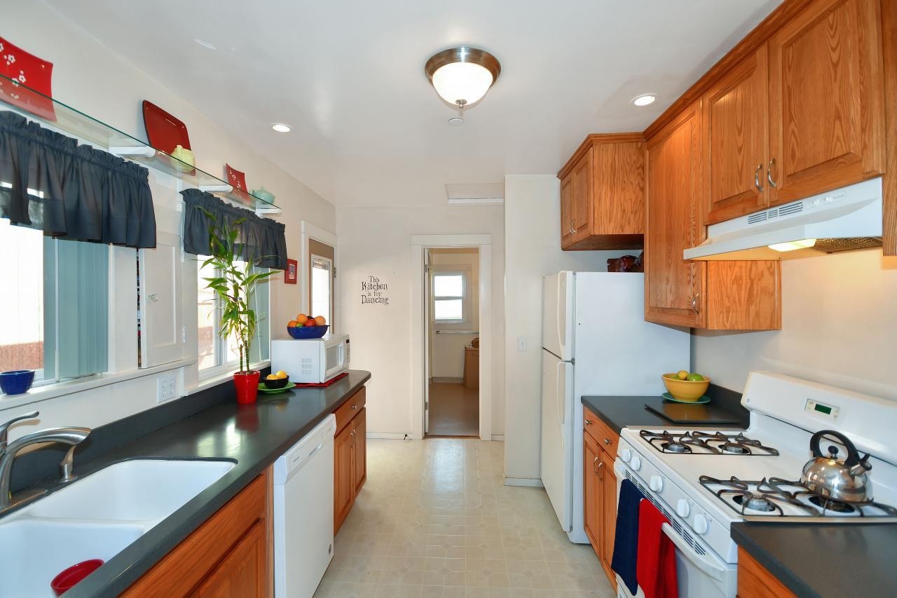 Main House Kitchen 3